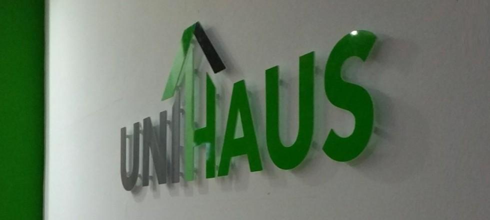webdesign-werbeagentur-hannover-dirim-media-referenzen-unihaus-werbetechnik-innen